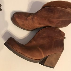 Kork ease Brown leather ankle boots EUC 9